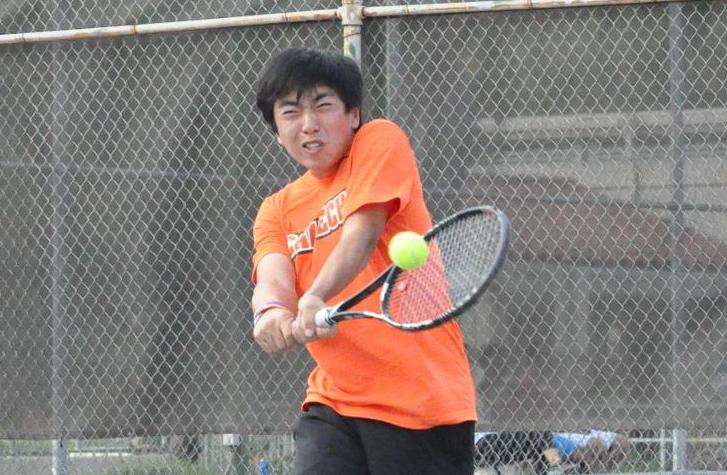 Li Takes Eight Games as No. 40 Men's Tennis Challenges No. 2 CMS