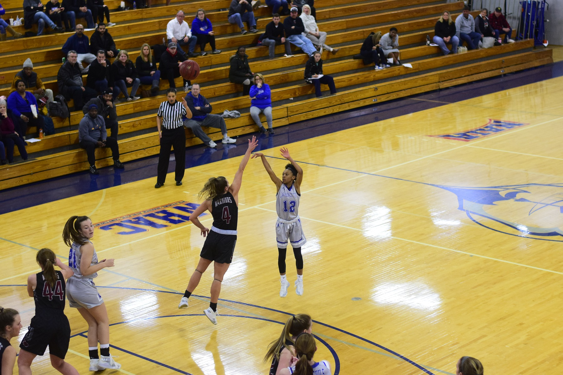 Blue Devils get key win in back and forth game against Warriors
