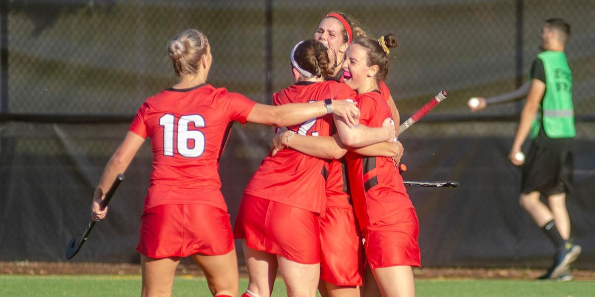 Sawyer Records Shutout, as Field Hockey Sails to Victory