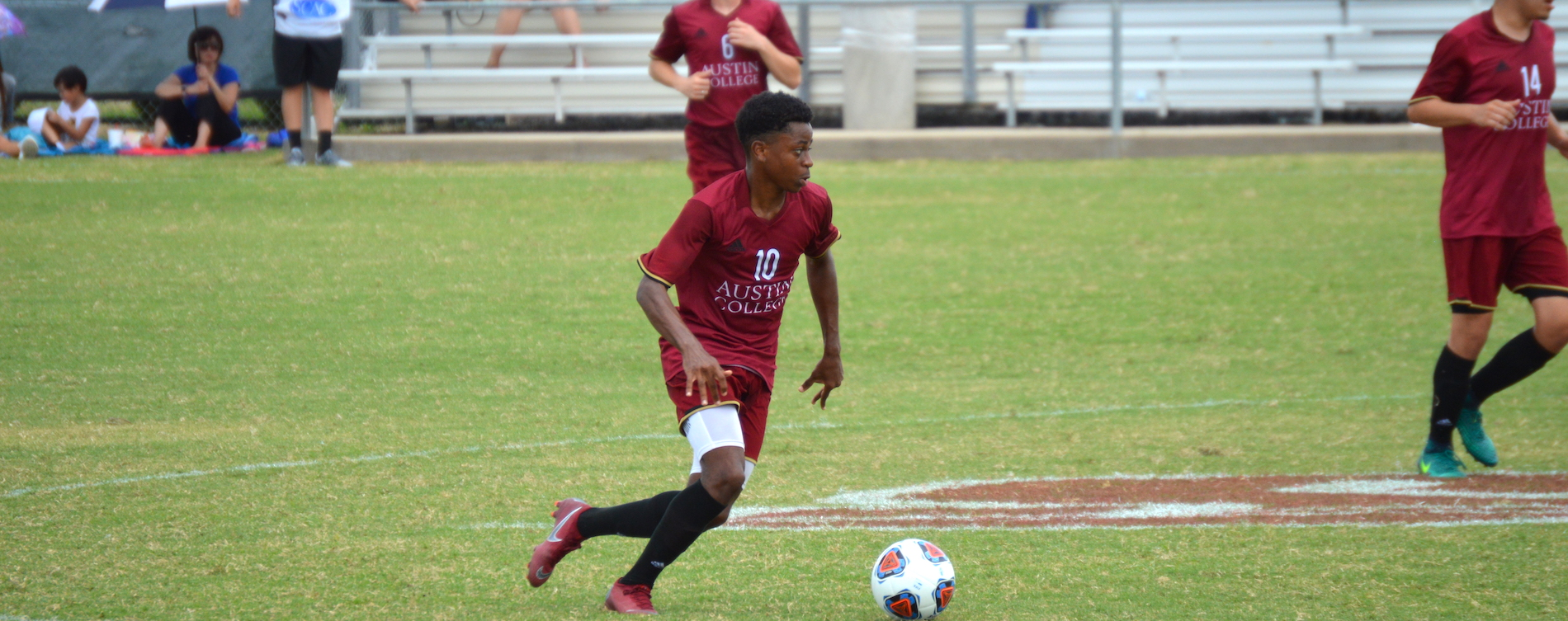 Osagiede Scores Twice as 'Roos Top Sul Ross