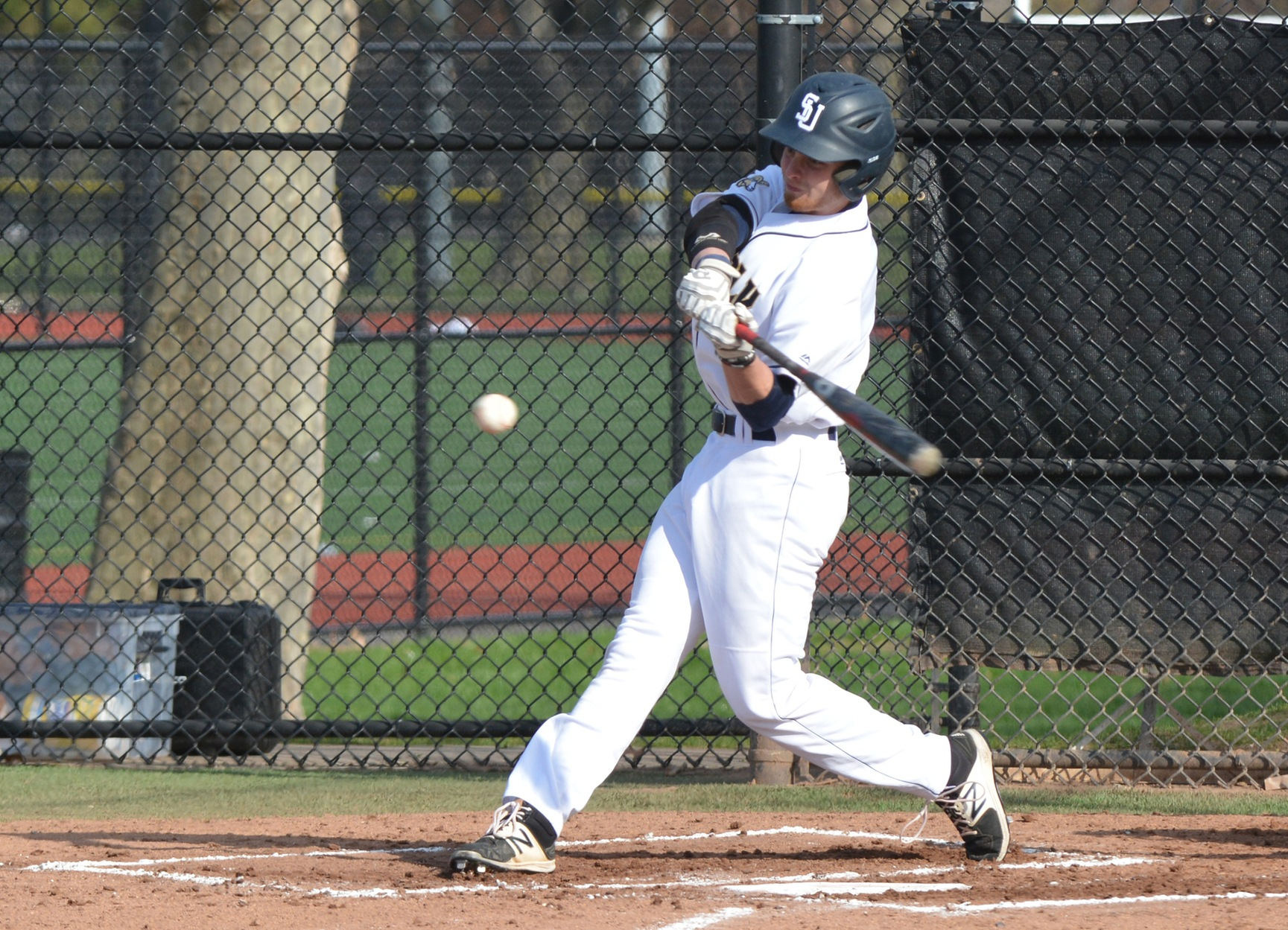 UMass Dartmouth Charges Late to Take Down Baseball 13-8