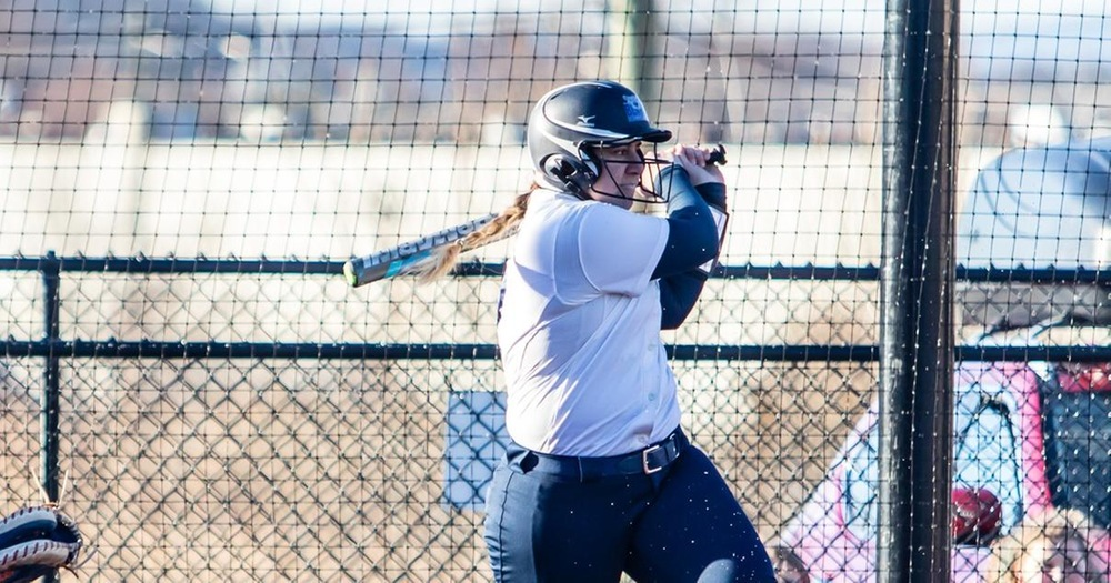 Baglino Knocks Seven Hits, Gentile Goes Yard in Softball Split With Sarah Lawrence