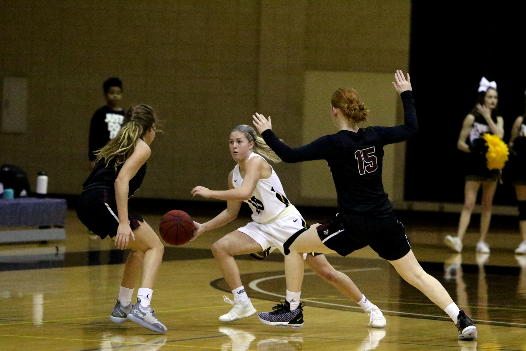 Women's Basketball Loses to Trinity at Home