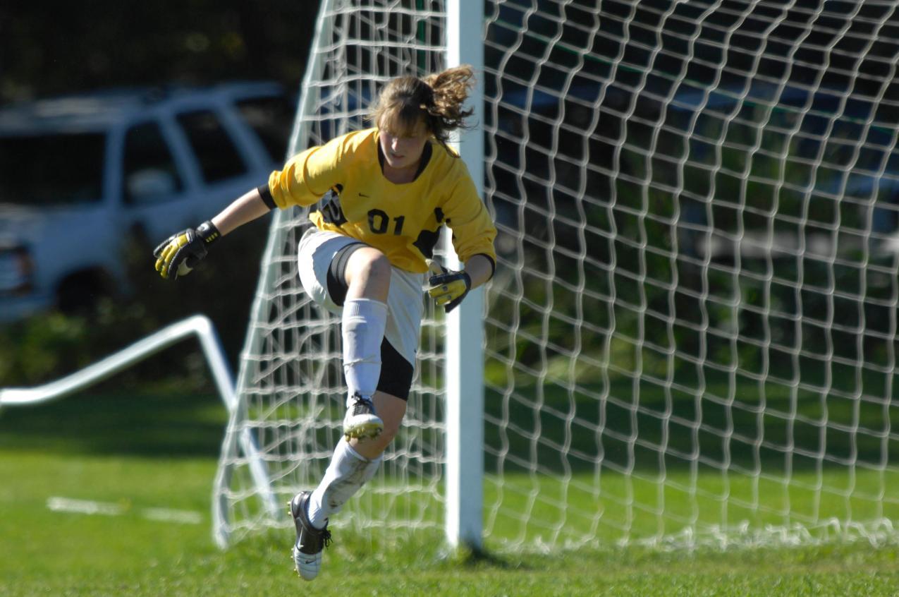 Women S Keeper Abby Senesac Wins National Honor Vermont