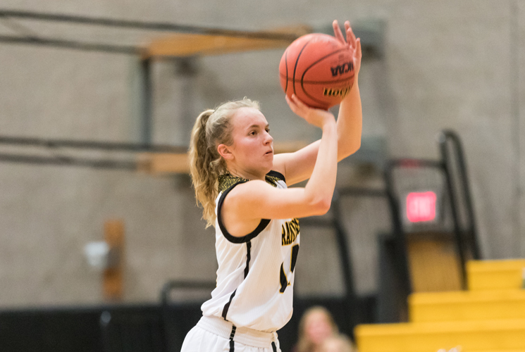 Women's Basketball Opens Second Half with 65-53 Win Over Wellesley
