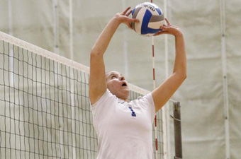 Volleyball falls to top team in New England, Tufts, 3-0