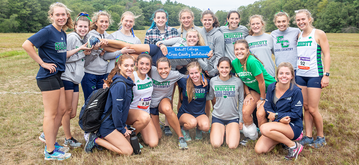 The Endicott women's cross country team poses for a photo after winning the Endicott Invitational.