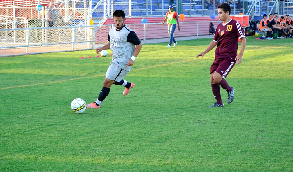 Sophomore Julian Gaona scored Pima's only goal in their 2-1 loss at Phoenix College on Tuesday. The Aztecs dropped to 2-1 on the season. Photo by Ben Carbajal/2016
