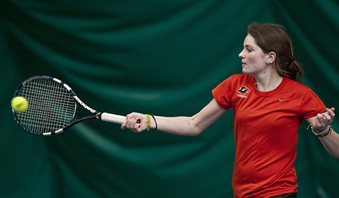 Women's Tennis Blanks Pacific Lutheran in 9-0 Win