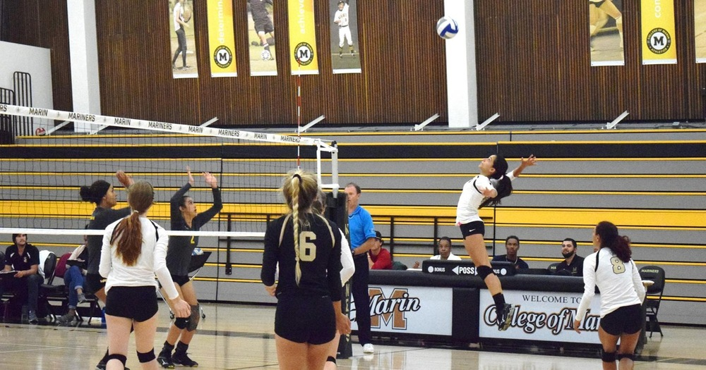 COM Volleyball's Winning Streak Snapped At Home By Los Medanos College