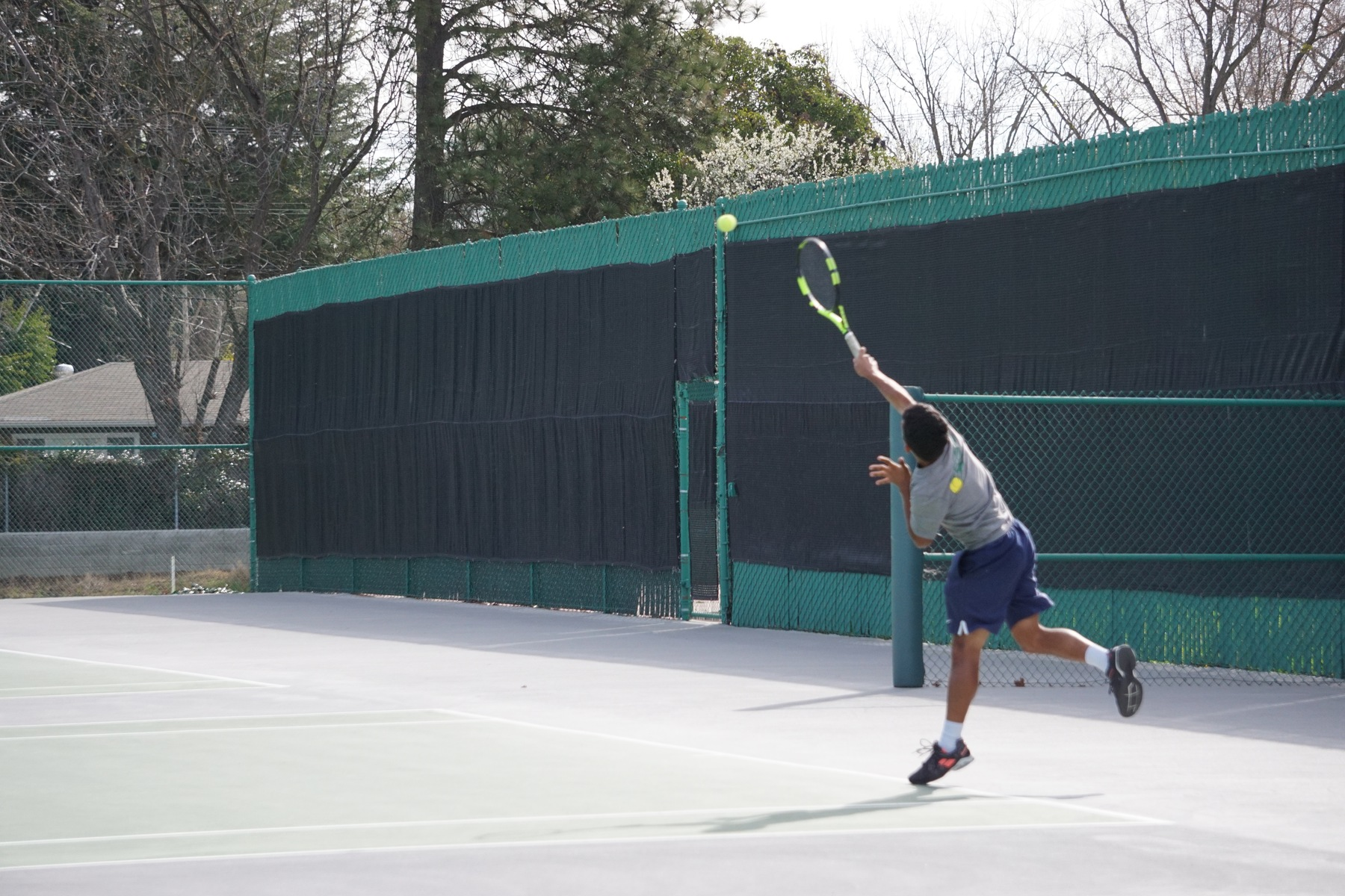 Men's Tennis currently 3-2 on season