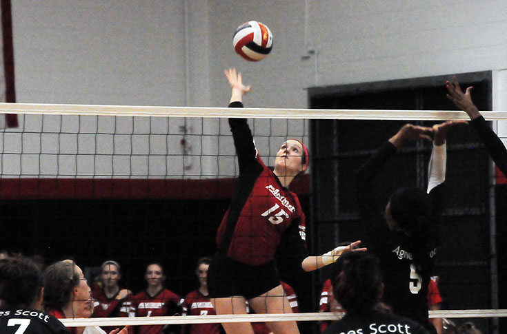 Volleyball: Panthers rally past Agnes Scott