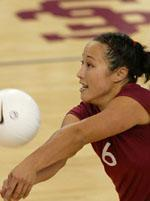 Volleyball Edges Saint Mary's 3-2