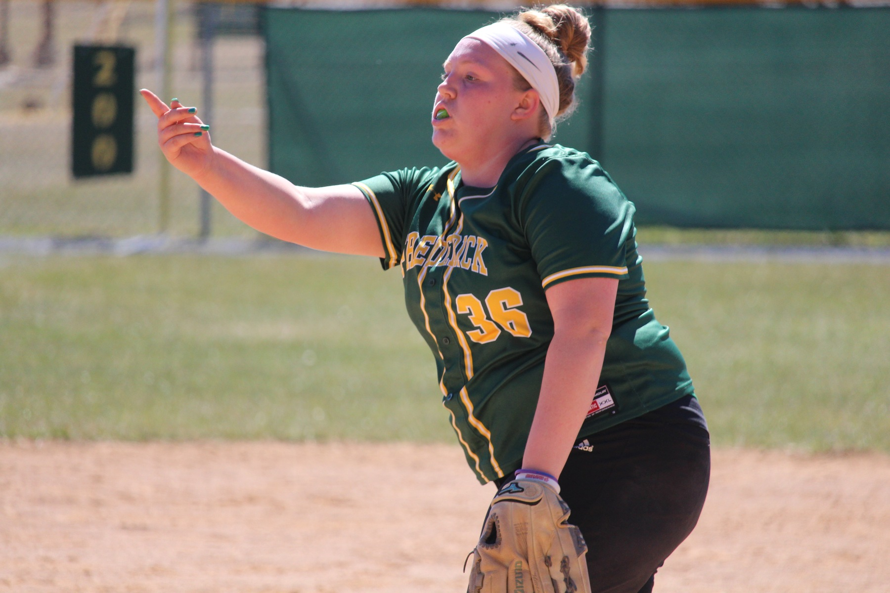 A Tale of Two Games as Cougars and Riverhawks Split Doubleheader