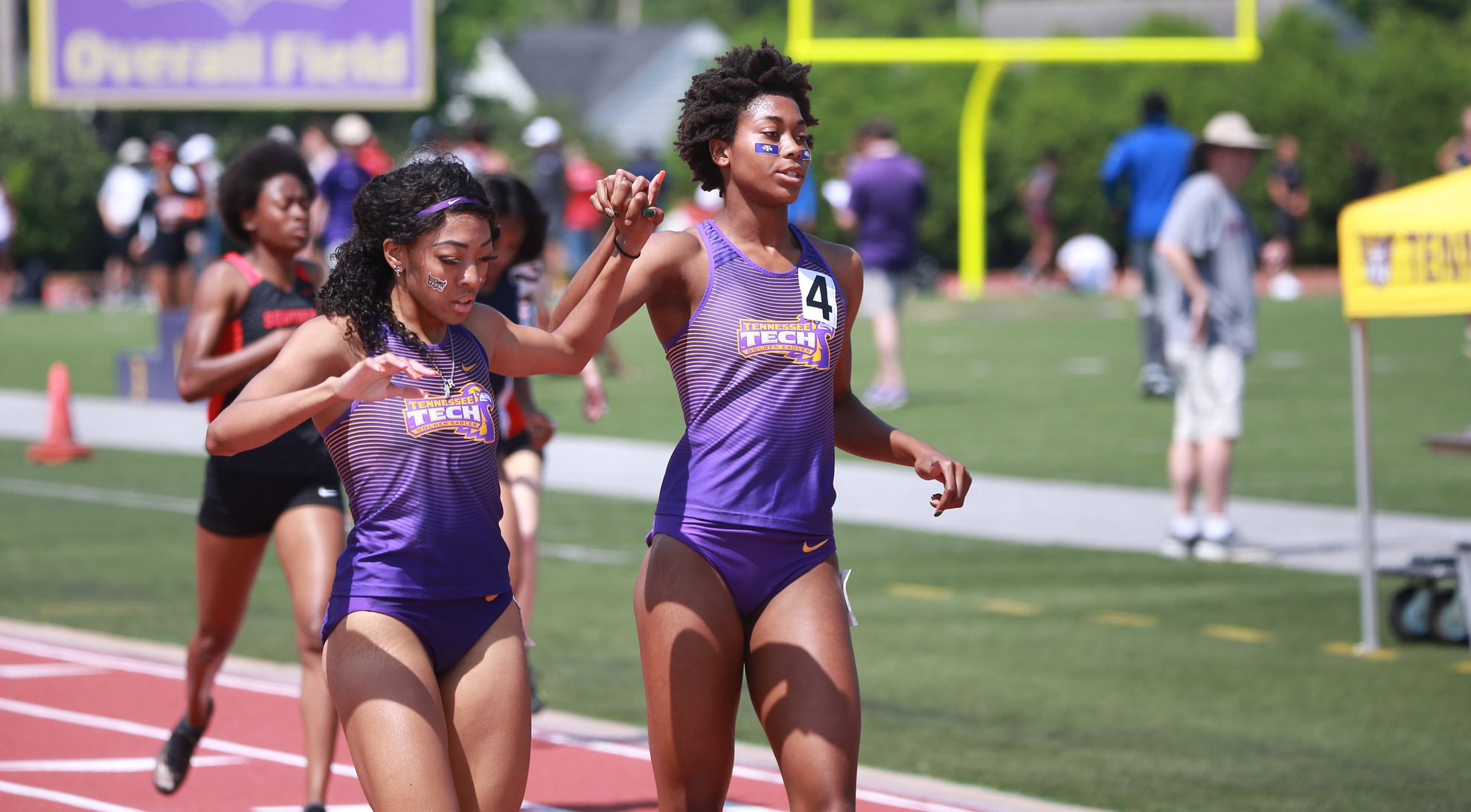 Jackson, Robinson advance on opening day of NCAA East Preliminary