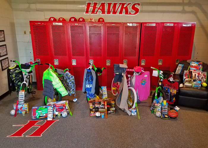 Huntingdon athletics gives back to the community