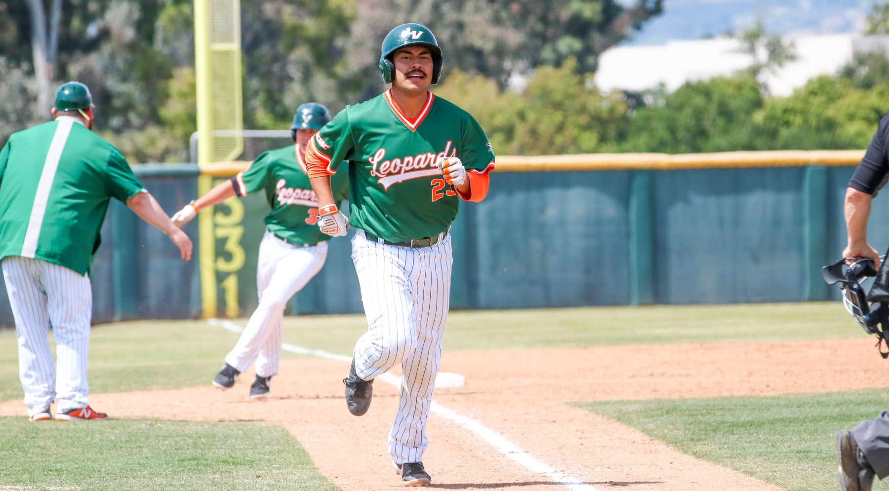 Santa Cruz, Baseball sweep Redlands