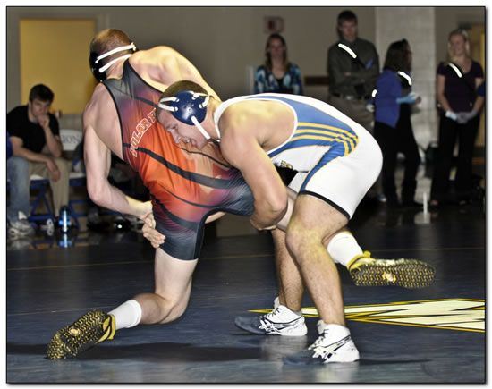 Mount wrestling opens season at the Case Western Reserve University Duals