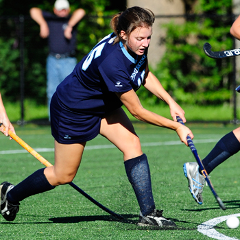 Field Hockey Takes Down Wellesley With Huge First Half