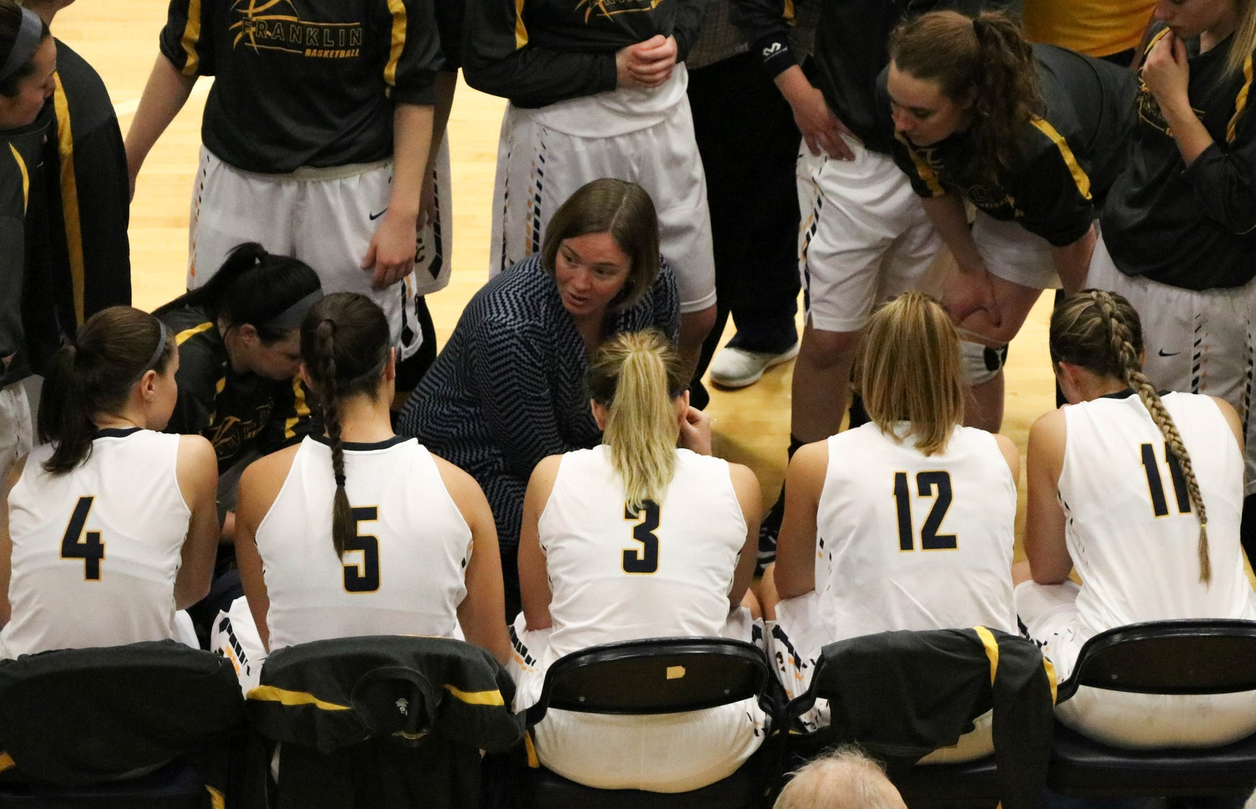 Women's Basketball Team Bidding for Fourth Straight Win