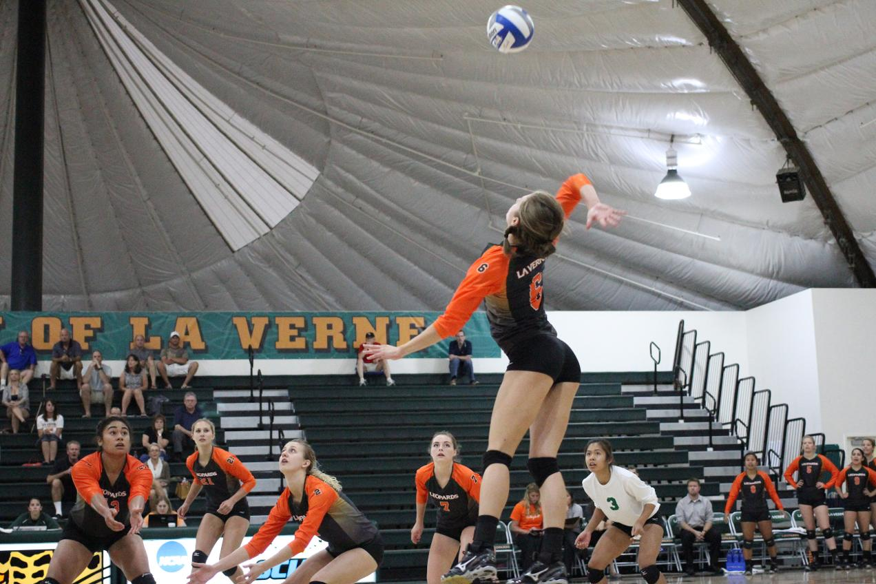 La Verne volleyball team encounters setback