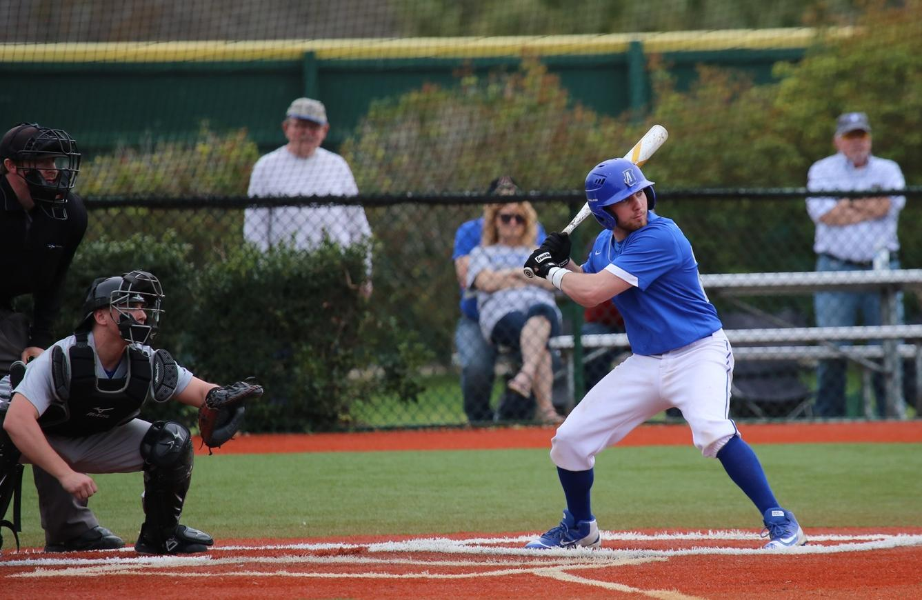 Baseball Splits Doubleheader with Mount Aloyious