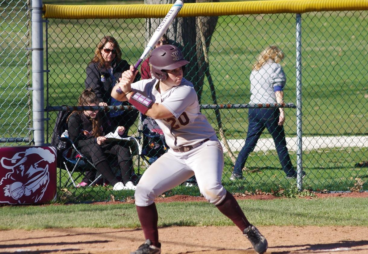 Softball Splits With Ohio Dominican