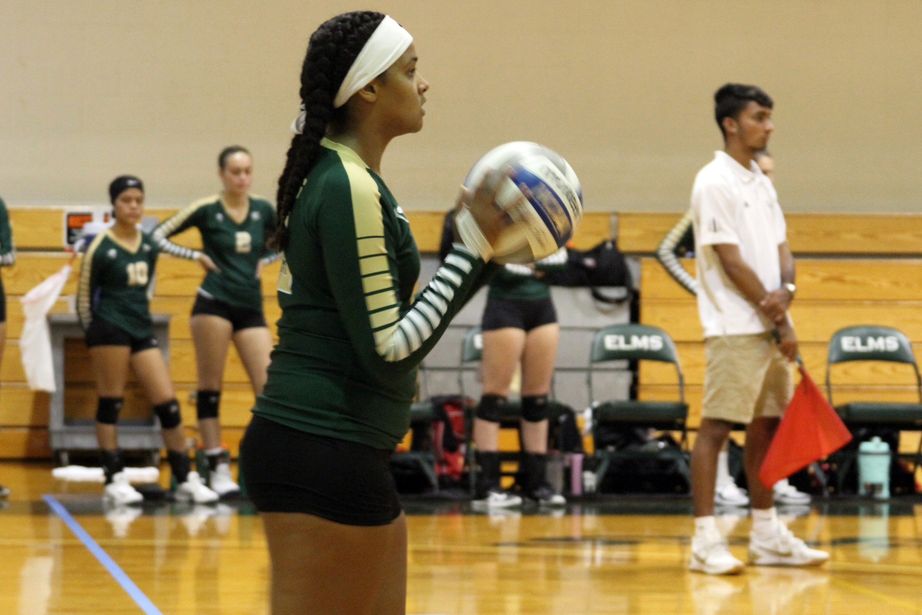 Blazers Fall In Straight Sets At WPI