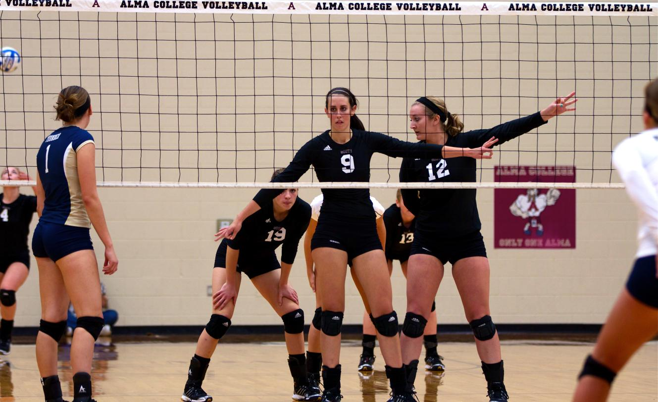 Volleyball defeats Trine 3-0 (25-14, 25-23, 25-21) on Friday evening