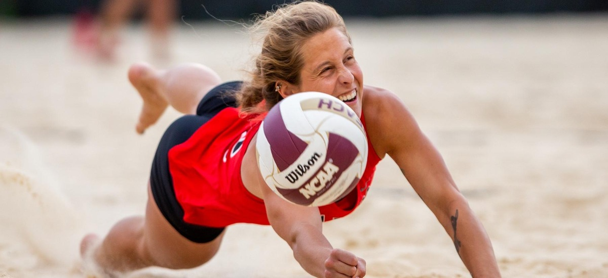 Beach Volleyball Competes Against the Best Teams in the Nation to Open Season