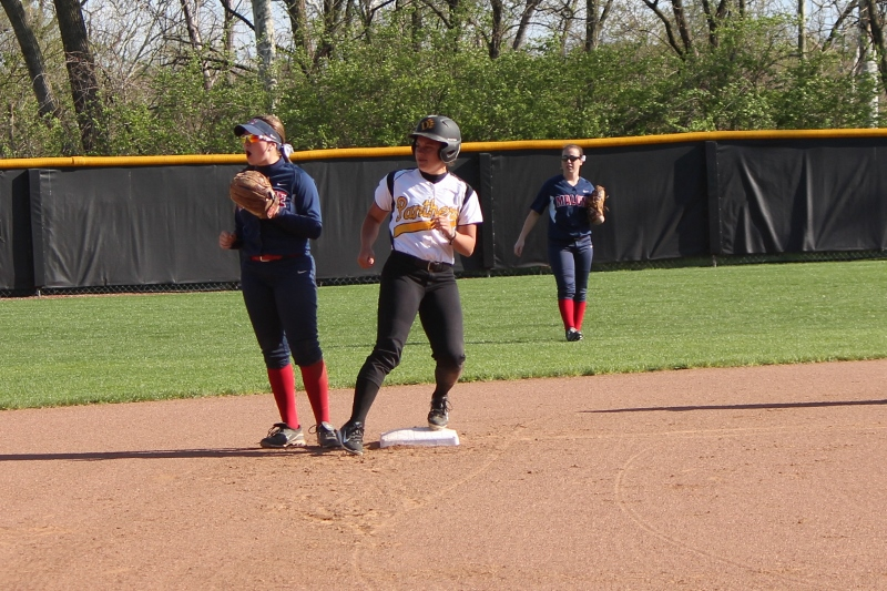 Softball Drops Pair Of Contests At Indianapolis