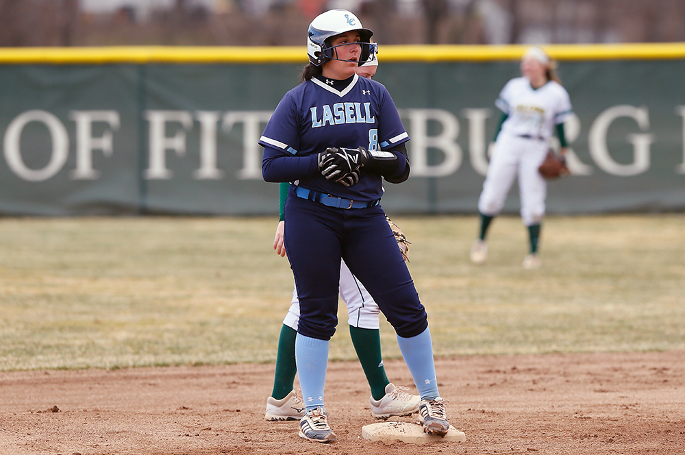 SB: Lasell falls to Simmons in GNAC doubleheader
