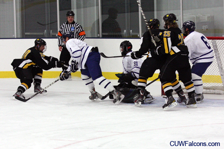 Men's Hockey falls to Gustavus Adolphus
