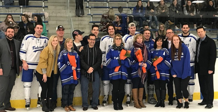Men's Hockey sends Seniors out on a winning note