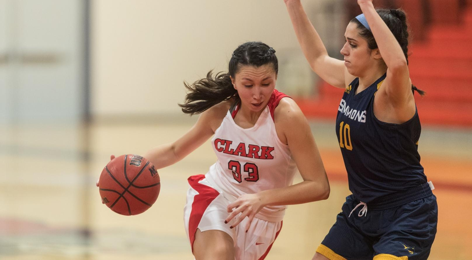 Clark Stumps Springfield in NEWMAC Overtime Victory, 51-50