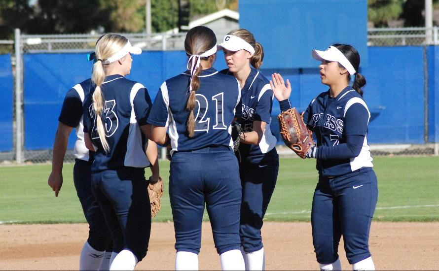 Softball Hangs On to Defeat Rio Hondo, 7-5