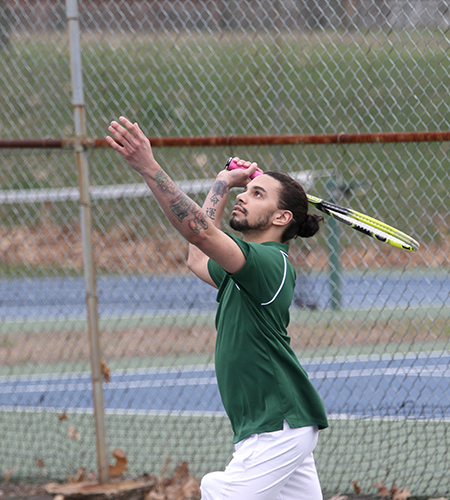Men's Tennis drops match at Green Mountain