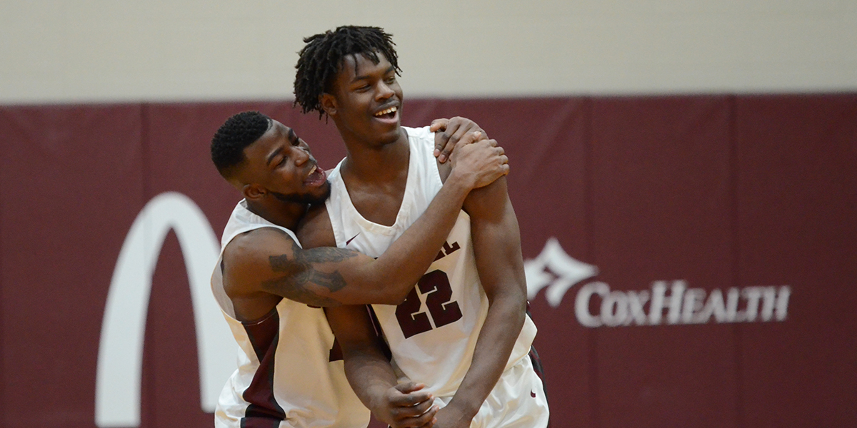 Evangel Men Provide Exciting Finish in 66-65 Win Over Baker