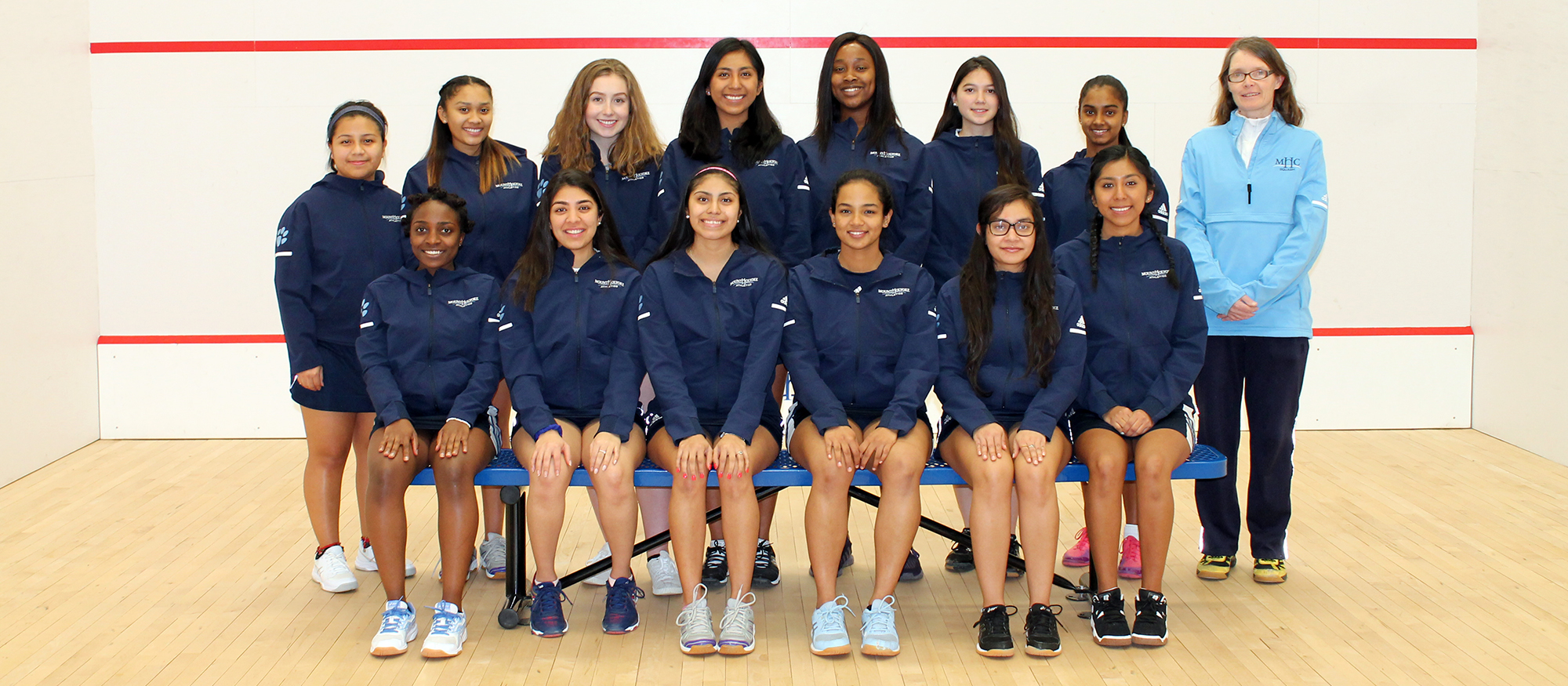 Group photo of the 2018-19 Lyons squash team.