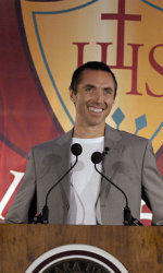 Former Santa Clara Star Steve Nash Honored By Alma Mater