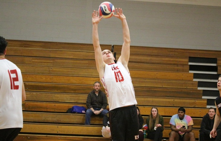Men's Volleyball Falls to MIT, Emmanuel Saturday
