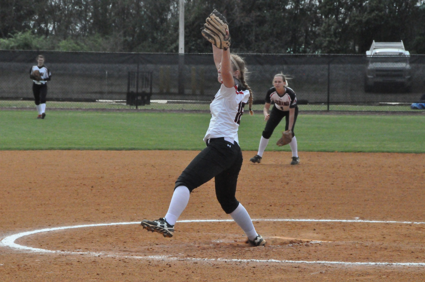 Softball: Panthers split doubleheader with USA South West Division leader Maryville