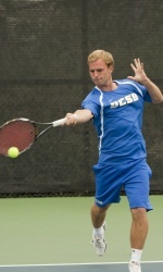 Men's Tennis Falls to Santa Clara 5-2