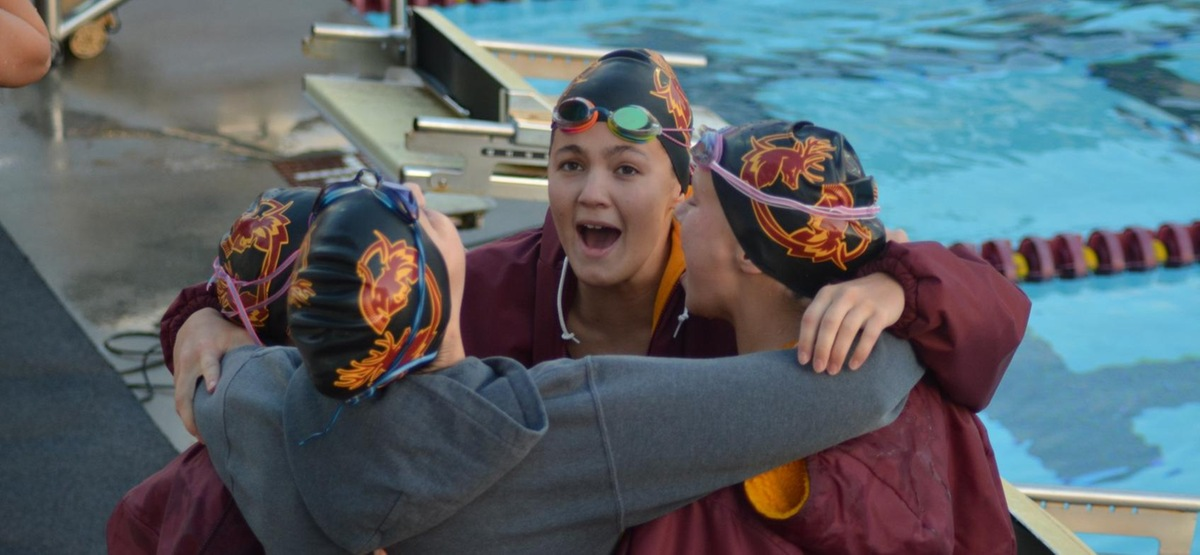 Jocelyn Crawford Breaks Own School Record to Highlight First Day of Pomona-Pitzer Meet