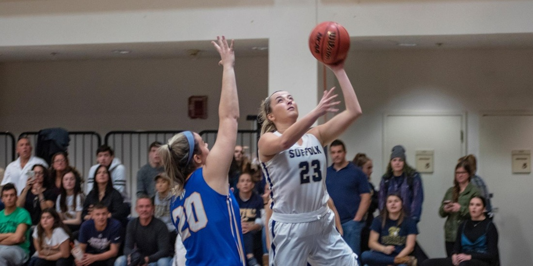 Saturday Pits Women's Basketball Against Simmons