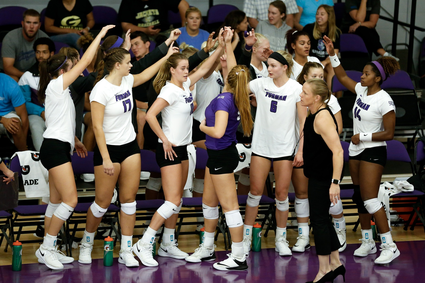 Volleyball Plays Host to Wofford in 2018 Home Finale