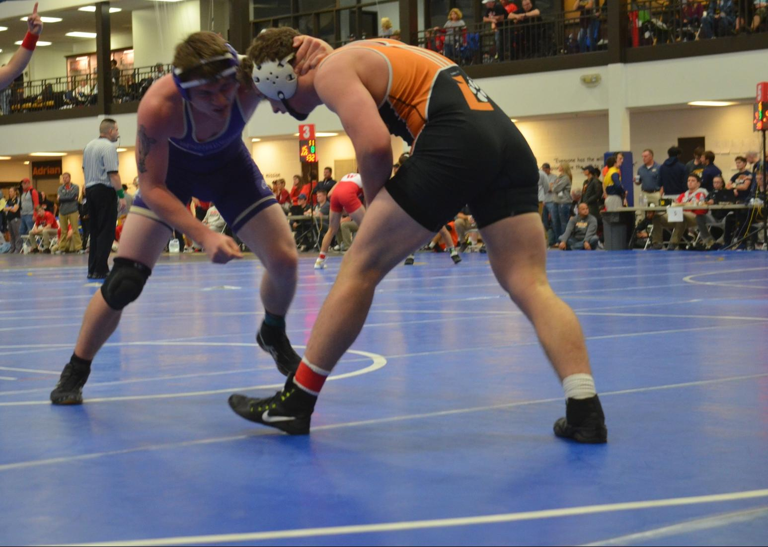 Wrestling Begins New Year with Dual Victory