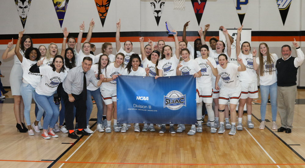Women's basketball wins 2019 SLIAC tournament title with 72-66 triumph over Spalding