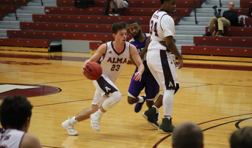 Men's Basketball Slips at Albion