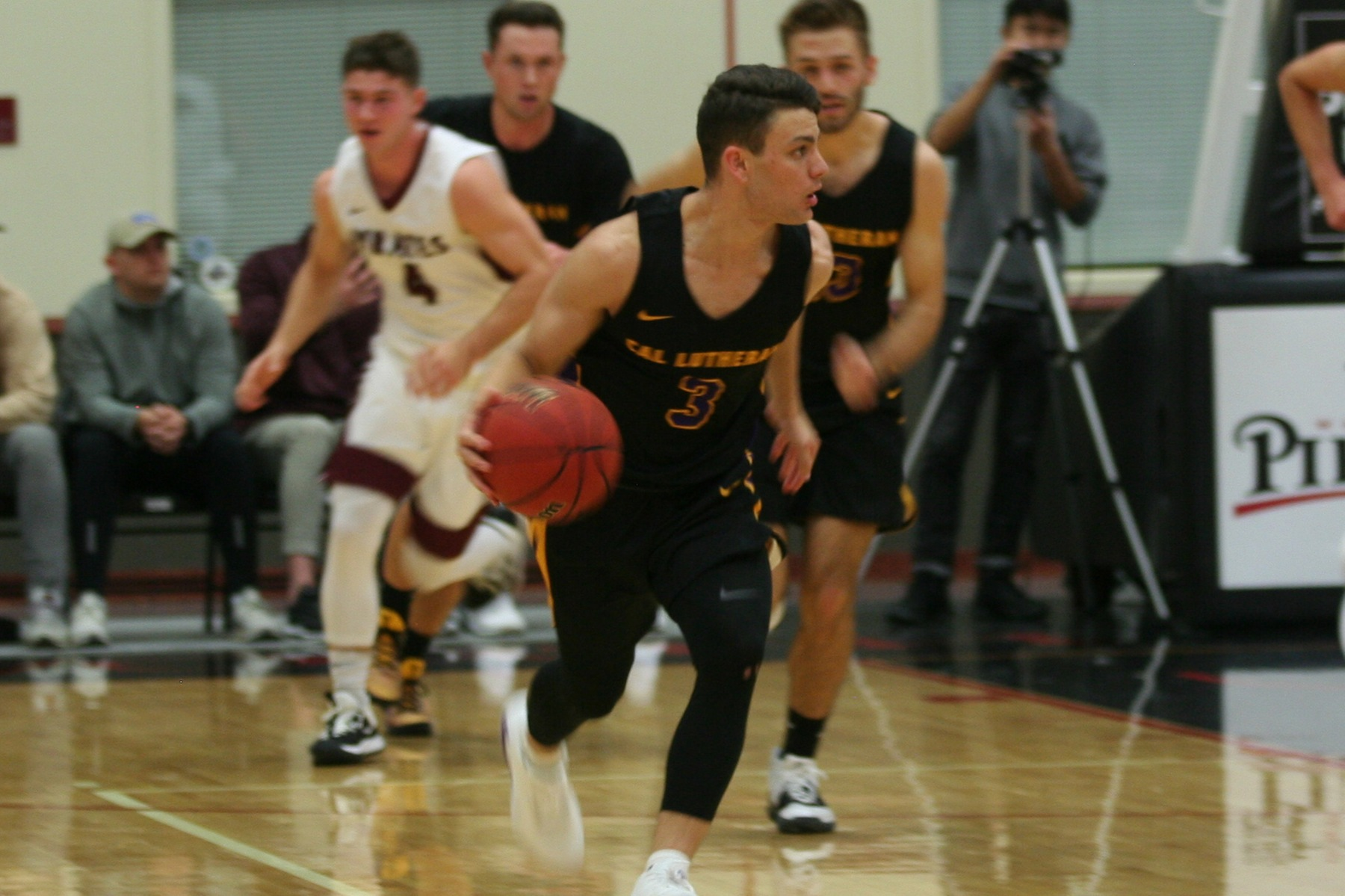 Four Kingsmen Score Double-Digits in Loss to Whitman